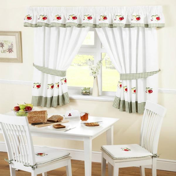 Cách chọn rèm vải cửa sổ nhỏ phù hợp